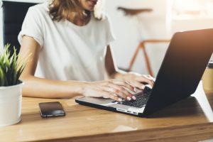 Aplicatii pentru angajatii care lucreaza de acasa